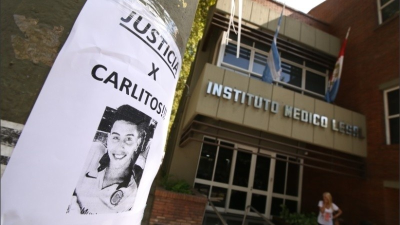 Un reclamo de justicia en el Instituto Médico Legal.